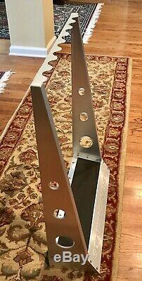 Scotty Cameron Metal Putter Display Rack holds 8 putters Titleist