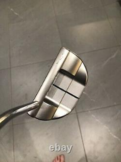 Scotty cameron select fastback putter